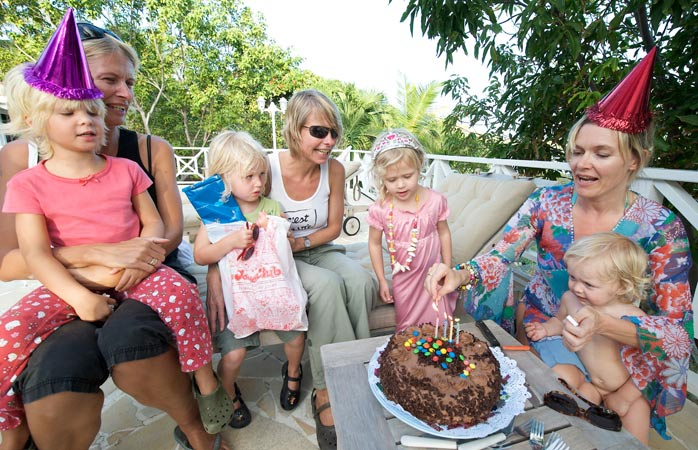 Cake and conversation at birthdays in the Netherlands