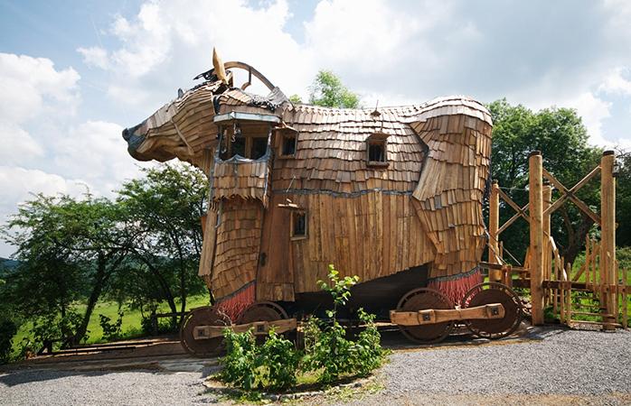 The exterior of La Balade des Gnomes.