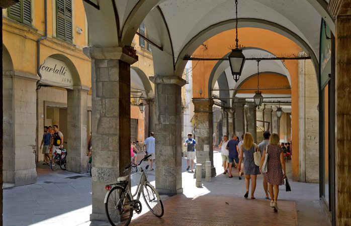 If you have a stop in Pisa, how about a walk to the city centre? It will only take you 45 minutes by foot from the airport
