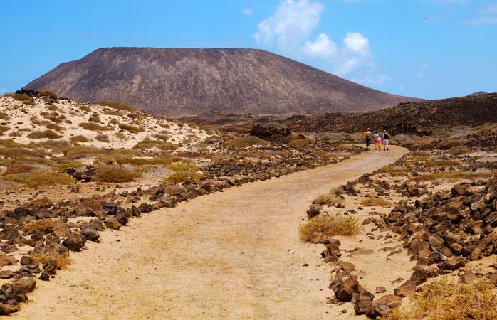 A hike towards the highest point on the island – Montaña La Caldera
