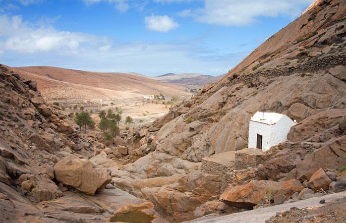 Hidden within the ravine: the Ermita de Rio Palmas chapel
