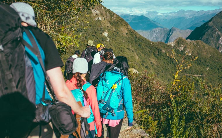 12 essential tips to plan the perfect group trip