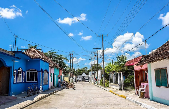 Stroll the brightly-coloured streets of the beautiful town of Palizada