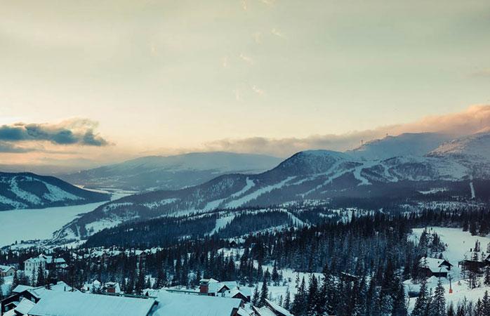 A lansdcape shot over Åre ski resort in Sweden, a great spot for family ski holidays