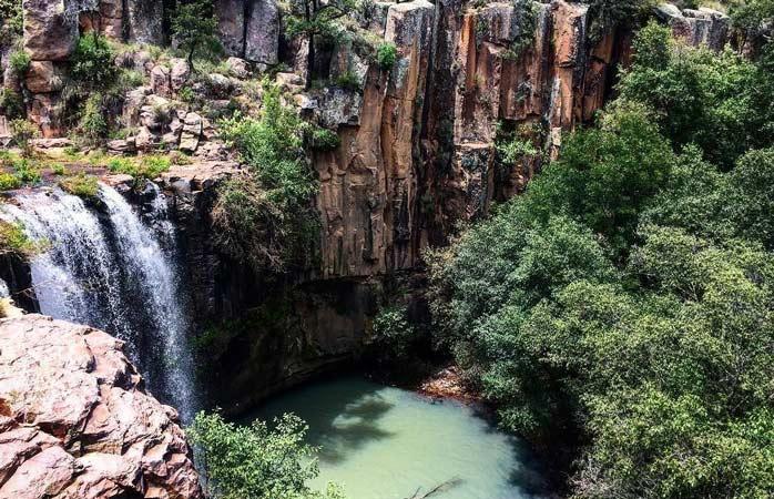 Enjoy the idyllic Cascada de La Concepcion - a basalt waterfall near Aculco
