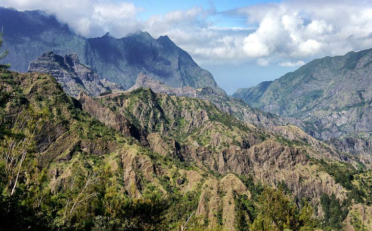 Réunion Island: 10 days immersed in a diverse and rugged beauty
