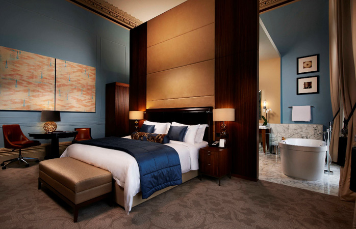 Go deluxe and sleep like a king! © St. Pancras Renaissance Hotel London