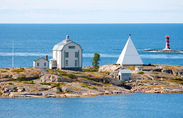 Stop for coffee and pastries on tiny island Kobba Klintar