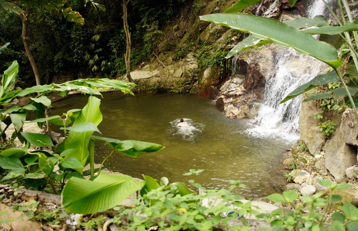 Hiking in the mountains will lead you to several more or less hidden waterfalls perfect for a swim
